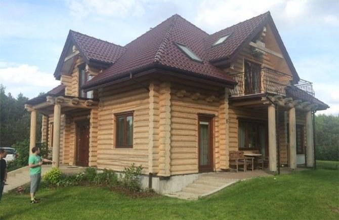 Costruzione della casa in legno a un piano con un soppalco for Case in legno in polonia