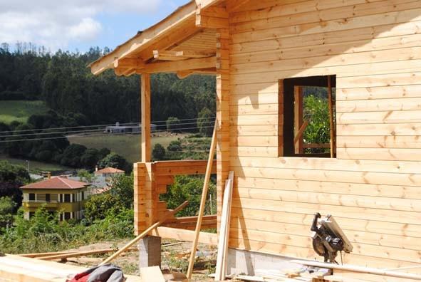 Case Di Legno E Mattoni : Casa di legno u fasi di costruzione