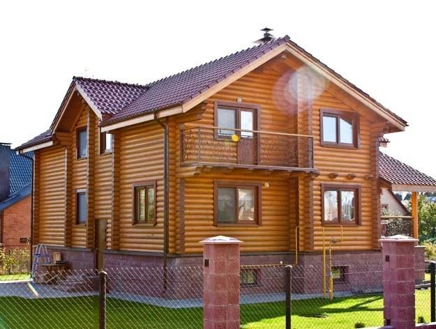 Montaggio di una casa in legno nella periferia di minsk for Comprare una casa di legno
