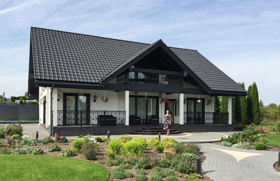 Russo casa di legno di tronchi 220 m una casa di campagna for Una pianta di casa chalet cornice