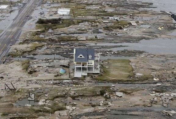 Case Di Pietra Terremoto : Case distrutte dopo il terremoto immagine stock immagine di