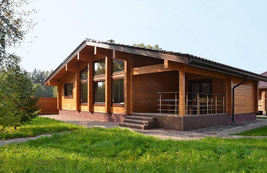 Una casa in legno per gli ospiti 73 m2 for Planimetrie uniche per la casa di tronchi