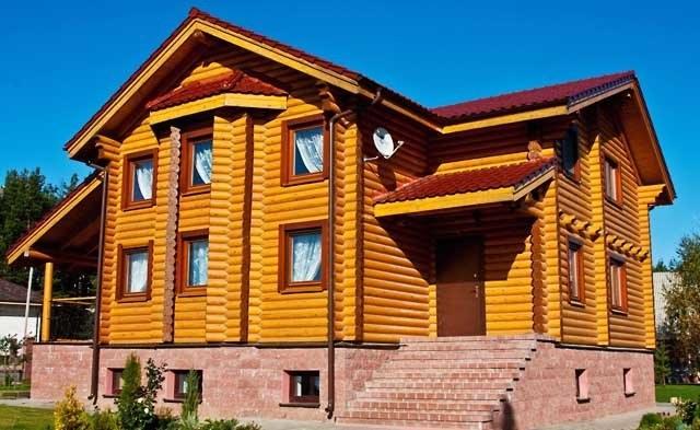 Verniciatura della casa in legno for Grandi piani di casa di tronchi